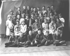 King Edward School class photo, Wetaskiwin, Alberta