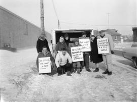 Picket line at Biltmore Hats plant