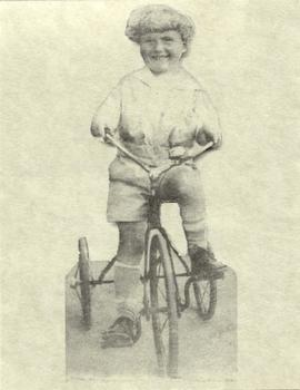 Mandle Nozick as a child.