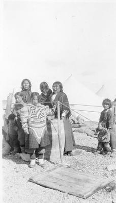 Unidentified Inuit Women and Children.