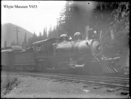Lew Patrick's engine at Glacier. 1899