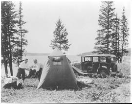 Canada. Riding Mountain National Park. Auto campers at Clear Lake / CN213