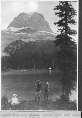 Alpine Club camp scenes, Summit Lake, Yoho Valley / 27644