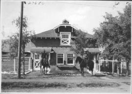 Banff, Mounted police building / 27686